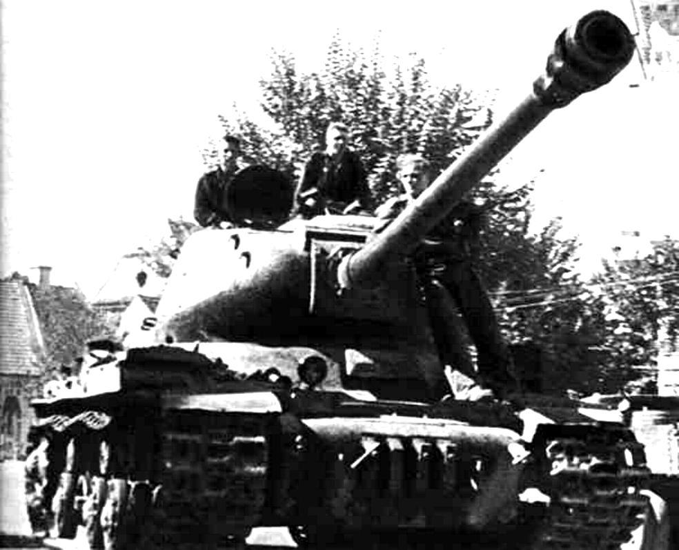 war_soviet_IS2 122_1944